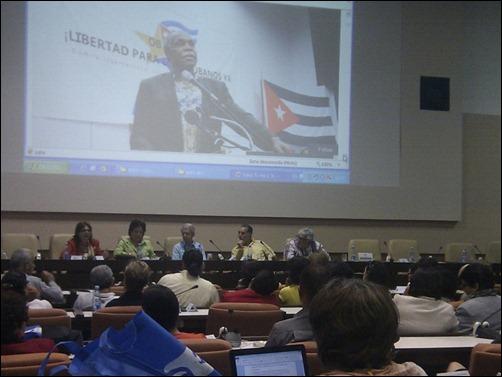"""Panel """"Compromiso social de los universitarios en la promoción de la lucha por la liberación de Los Cinco"""" en Universidad 2014-2"""