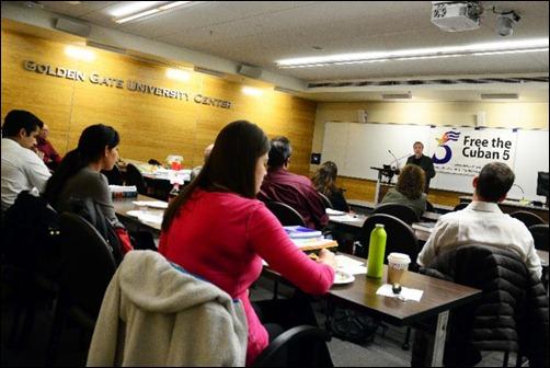 Stephen Kimber imparte conferencia en la Escuela de Leyes de la Universidad Golden Gate, Carolina del Norte