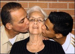 Mirtha con el beso de Antonio Guerrero