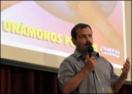 Fernando en la Audiencia Parlamentaria por los Cinco