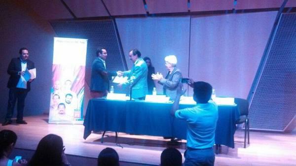 Marta Rodríguez en la presentación de libro de Antonio Guerrero en el IPN de México1