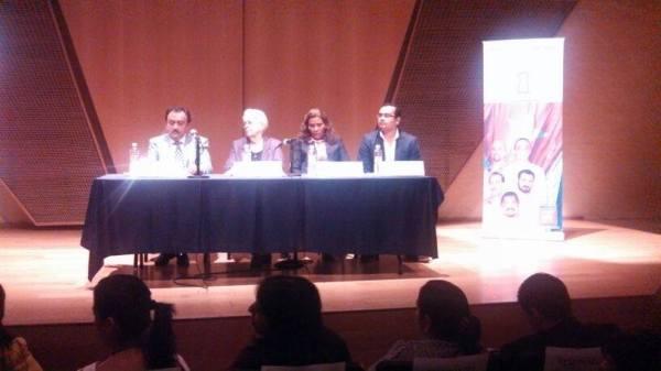 Marta Rodríguez en la presentación de libro de Antonio Guerrero en el IPN de México2