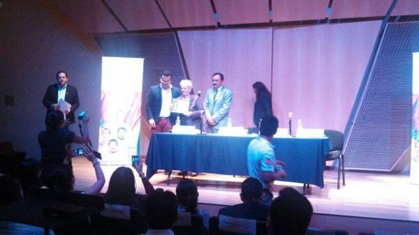 Marta Rodríguez en la presentación de libro de Antonio Guerrero en el IPN de México4
