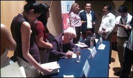 Marta Rodríguez en la presentación de libro de Antonio Guerrero en el IPN de México