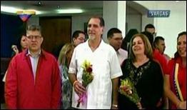 René González y Olga Salanueva son recibidos en Maiquetía por Elías Jaua