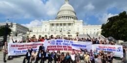 Asistentes a la III Jornada 5 Días por los 5 Cubanos frente al Capitolio, Washington DC