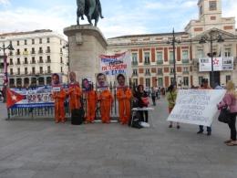 Plantón por Los Cinco en la Puerta del Sol1