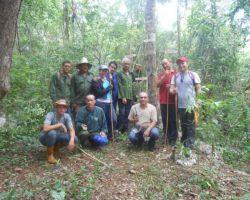 Radioaficionados de Remedios con Maceo y el Che por los Cinco en la loma La Puntilla, Villa Clara
