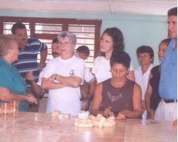 Familiares de los Cinco Héroes visitan fábrica de Cascorro, en Guáimaro