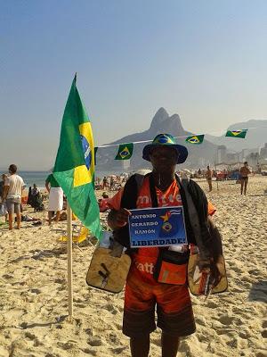 Emerson - vendedor de mate en la Playa de Ipanema, Rio de Janeiro