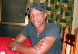 Tony Ávila, cantautor cubano
