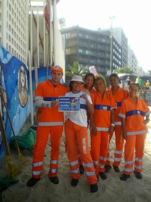 Trabajadores de limpeza urbana, Playa de Ipanema, Arpoador - Rio de Janeiro