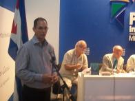 El Lic. Waldo Barrera Martínez, de la UCI, expone los resultados del trabajo de su universidad en las redes sociales