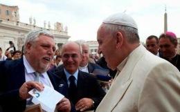 Papa-Francisco-recibe-carta-sobre-Los-Cinco.jpg