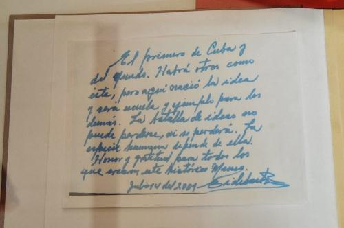 Autógrafo de Fidel Castro en el libro de visitas del museo a la Batalla de Ideas de Cárdenas