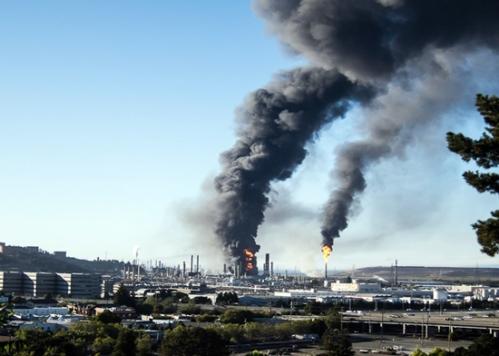 Incendio en 2012 en la refinería de Chevron en Richmond, California