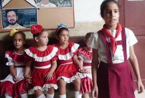 Autor: Lázaro David Najarro Pujol, periodista, Camagüey, Cuba. El comité de solidaridad de niños camagüeyanos por la liberación de los antiterroristas cubanos detenidos en 1998 en Estados Unidos, intensifica sus acciones en el contexto de la jornada cinco por los Cinco.