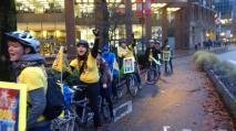 Autor: Noah Fine, Co-Presidente del Comité de Vancouver por la Libertad de los 5 (@freethe5_van) , Vancouver, Canadá (@noahfine): #Cuban5 BikeRide just arrived at #USA Consulate in #Vancouver